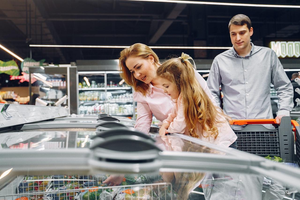 Gefriertruhen kennen wir alle aus Supermärkten. Es gibt sie in unterschiedlichen Größen und Tiefen.